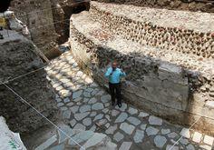 Hallan templo y juego de pelota en el área del Zócalo de la CDMX