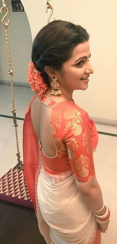 100 Sexy Low Back blouse Designs For Indian Women - Outfits Hunters Saree Blouse Neck Designs, Saree Blouse Patterns, Fancy Blouse Designs, Designer Blouse Patterns, Bridal Blouse Designs, Traditional Blouse Designs, Stylish Blouse Design, Boutique, Marie