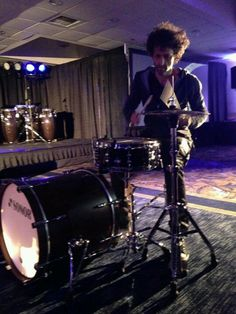 """Jojo Mayer. I'm very selective with pins: Picked this one bec of GREAT PHOTO COMPOSITION with the lighting on drumkit & back light. #DdO:) - https://www.pinterest.com/DianaDeeOsborne/drums-drumming-joy/ - DRUMS & DRUMMING JOY: Amusing bio for this drummer of The Nerve- sounds like an ad: Swiss drummer born in Zürich & currently residing in New York City. He plays Vic Firth sticks, Sonor drums, Sabian cymbals and Evans heads."""" In 2 movies: Modern Drummer &  Festival Weekend 1998. Also plays…"""