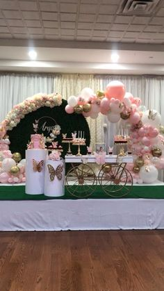 Deco Baby Shower, Baby Girl Shower Themes, Girl Baby Shower Decorations, Baby Shower Balloons, Baby Shower Table, 1st Birthday Party For Girls, Girl Birthday Decorations, Girl Birthday Themes, Butterfly Table Decorations