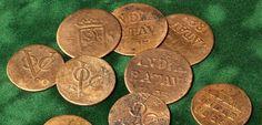 """VOC munten, via <a href=""""http://www.prinsenpatriot.nl/economie/weg-met-de-geldsmokkel-het-oude-nieuwe-munten-van-de-voc/"""" rel=""""nofollow"""" target=""""_blank"""">www.prinsenpatrio...</a>"""