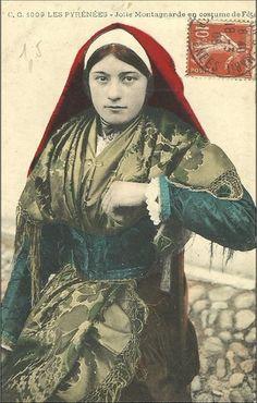 Pyrénée Portraits, Pyrenees, Traditional Dresses, Folklore, Habitats, Costumes, Mona Lisa, Photos, French Connection