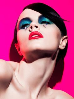 Andréa Tiller mua 5 - bright editorial makeup