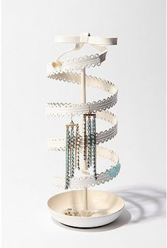 Spinning Ribbon Jewelry Stand - StyleSays