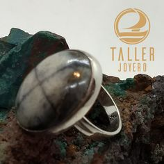 Anillo piedra cruz mediana A0-407 #piezaunica #hechoamano #plata - Taller Joyero confección y diseño de joyas, Joyería online.