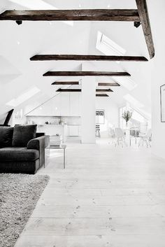 The Design Chaser: Pitched Roofing + Wooden Beams white floors Exterior Design, Interior And Exterior, White Interior Design, Nordic Interior, Minimalism Living, White Wooden Floor, Boho Deco, Dark Wood Floors, Wood Beams