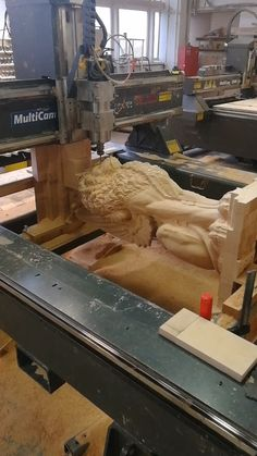 The milling process on a CNC machine carved pillar in the form of a winged lion. Dremel Wood Carving, Wood Carving Art, Wooden Staircase Railing, Wood Cnc Machine, Escalier Art, Wood Furniture Legs, Pillar Design, Carved Wood Wall Art, Wood Repair