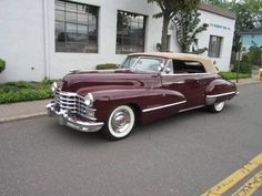 Classic Cadillac beauty - 1947 ♥ App for Cadillac's ★ Cadillac Warning Lights guide, is now in App Store https://itunes.apple.com/us/app/app-for-cadillac-cadillac/id924682265?ls=1&mt=8