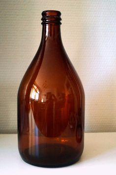 Old Bottles, Glass Bottles, Retro Design, Whiskey Bottle, Retro Vintage, Nostalgia, Memories, Minnen, Diy