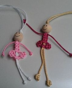 Macrame doll - picture onlyIf your creative hands are itching to make super easy and fast craft projects, then this list of easy crafts to make and sell with lots of DIY Tutorials will surely tickle your fancy. Micro Macrame, Macrame Knots, Diy Jewelry, Jewelery, Jewelry Making, Easy Crafts To Make, Diy And Crafts, Macrame Projects, Craft Projects