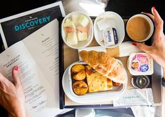 Breakfast consisted of seasonal fresh fruit, yoghurt in a plastic cup (probably the least high-end element but, come on, it's Premium Economy), vegetable frittata with back bacon, Roma tomato and herb potatoes. As well as a perfectly crispy croissant as if straight out of the oven.