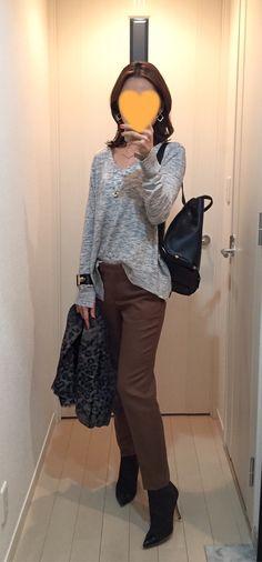 Grey tee: ZARA, Brown pants: Tomorrowland, Bag: ZAC Zac Posen, Boots: Extraordinary Jane, Scarf: Plage