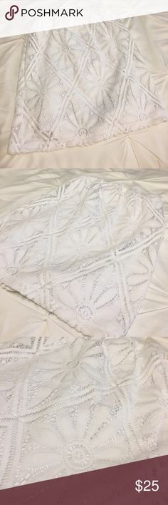 Lilly Pulitzer lace top Lilly Pulitzer white tube top with beautiful lace/crocheted fabric. Perfect for spring and summer! Only worn once. Lilly Pulitzer Tops