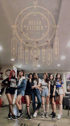 Dreamcatcher my new favs 😍👌 Kpop Girl Groups, Korean Girl Groups, Kpop Girls, Extended Play, K Pop, Dreamcatcher Wallpaper, Dream Catcher White, Park Jimin Cute, Metal Girl