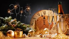 This HD wallpaper is about new year, champagne, champagne glass, champagne glasses, Original wallpaper dimensions is file size is Original Wallpaper, Hd Wallpaper, Wallpapers, Foto Magazine, Tumblr Yellow, Blue Grey Walls, Share Pictures, Holiday Wallpaper, Bedroom Wall Colors