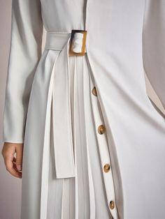 Fashion spring coat inspiration 62 Ideas for 2019 Dress Shorts Outfit, Dress Outfits, Hijab Fashion, Fashion Dresses, Fashion Fashion, Work Fashion, Fashion Details, Fashion Design, Fashion Trends