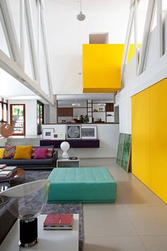 Residência Francine / Francisco Cálio – Calio Interiors + Design = #living #yellow