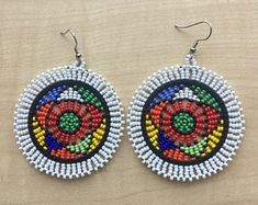 Zulu Perlen Ohrringe, afrikanische Ohrringe, ethnische Ohrringe, Stammes-Ohrringe – Malika Tagounit – Join in the world of pin Baubles And Beads, Beads And Wire, Zulu, Etsy Earrings, Earrings Handmade, Handmade Jewelry, Bead Jewellery, Beaded Jewelry, Brick Stitch Earrings