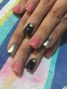 Elegant Black and Pink Pearl