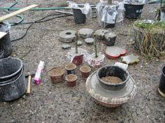 Da der var gang i blandemaskinen i søndags, lavede min mand 2 trillebørerfuld beton, til mig og ældste datter. Vi havde gang i produkti...