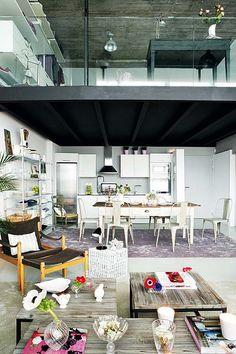 Un loft en dos niveles con muebles vintage - Estilo nórdico | Muebles diseño | Blog de decoración | Decoración de interiores - Delikatissen