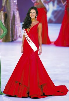 Top 10 Most Memorable Pageant Moments of 2014 | http://thepageantplanet.com/top-10-most-memorable-pageant-moments-2014/ #pageant #redgown #pageantgowns