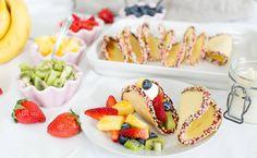 Desserttacos, godaste desserten någonsin! Fyll dem med massor av frukt och de är helt oemotståndliga!