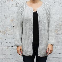 About the design:Weekend is a long, slightly oversize cardigan in brioche stitch and without button holes. The model is worked from the bottom and up with raglan sleeves. The sleeves are se. Yarn Inspiration, Oversized Cardigan, Batwing Sleeve, Buttonholes, Cardigans, Sweaters, Tweed, Ravelry, Knitting Patterns