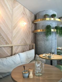 Marble, light wood, gold with a touch of black and fresh green Marble Interior, Gold Interior, Cafe Interior, Interior Design, Commercial Design, Commercial Interiors, Wood Cafe, Cafe Concept, Marble Columns