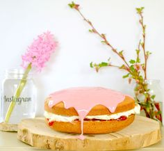 blood orange icing & cream sponge cake || inspired by the vivid pink hyacinths and the flowering currant buds during early spring
