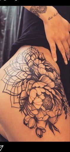 Back Hip Tattoos, Flower Hip Tattoos, Hip Thigh Tattoos, Floral Thigh Tattoos, Black Tattoos, Body Art Tattoos, Female Hip Tattoos, Thigh Sleeve Tattoo, Tatoos