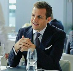 Serie Suits, Suits Series, Suits Tv Shows, Harvey Specter Haircut, Trajes Harvey Specter, Suits Harvey, Gabriel Macht, Almost Always, Movies And Tv Shows