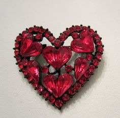 RED RHINESTONE VALENTINE HEART BROOCH IN A JAPANNED SETTING