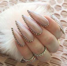 New Trending Nail Arts desgin