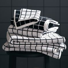 The Unison Grid pattern is now part of our towel collection. Modernize your bathroom with our Mini Grid bath towel, hand towel, and washcloth. Black Bath, Black Shower, Modern Bathrooms Interior, Bathroom Interior Design, Black And White Towels, Grey Bath Towels, Grid, Camping Must Haves, Grey Baths