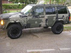 Digital camo Jeep Cherokee