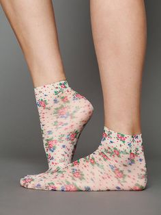 23d02fc5b408 Vintage Floral Pattern Ankle Sock - Free People Look From London Ackee  Ankle Sock