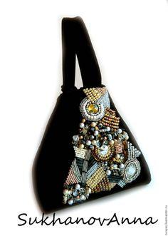 """Купить Сумка """"Миледи"""" - черный, абстрактный, сумочка зхамшевая, вышитая сумка, сумка из замши Beaded Purses, Beaded Bags, Large Beach Bags, Cowhide Bag, Potli Bags, Embroidery Bags, Boho Bags, Crochet Shoes, Bag Packaging"""