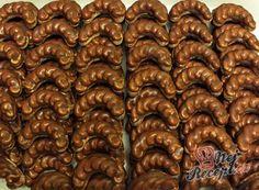 Velmi šťavnatý Milka koláček z hrnečku Christmas Sweets, Christmas Baking, Christmas Cookies, Slovak Recipes, Czech Recipes, Top Recipes, Baking Recipes, Sweet Recipes, Gluten Free Cookies
