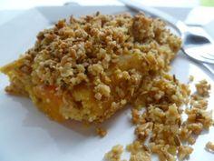 crumble de graines à la mousse soyeuse de carottes et de pois chiches