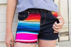 How to Turn 1 Colorful Blanket into 5 Summer Essentials via Brit + Co. Old Jeans, Denim Jeans, Jean Shorts, Diy Shorts, Summer Diy, Summer Essentials, Diy Clothes, New Look, Style Me