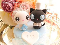 This listing is for custom Handmade love cats with beautiful base and name tag^^  if you have time ,please to visit our Etsy shop^^  www.etsy.com/listing/47794885/promotion-love-angels-weddi...  thank you so much:D