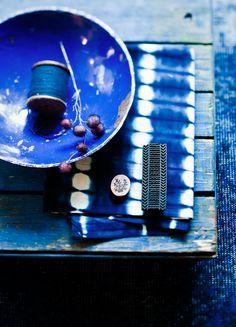 COBALTO.............para escapar por un día de la NAVIDAD............................................VISTO EN 79 ideas escaparate azul