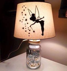 Tinker Bell silhouette jar lamp / Etsy (I love the quote on the jar idea) Disney Diy, Disney Lamp, Casa Disney, Disney Rooms, Disney Crafts, Disney House, Rustic Lamp Shades, Disney Fairies, Mason Jar Crafts