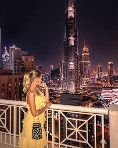 Burj Khalifa is so tall, that it doesn't fit in the photo 😛 views from our @dreaminndubai apartment ✨ в кадр все здание Бурж Кхалифа не…