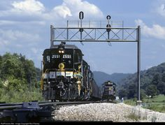 RailPictures.Net Photo: SOU 2551 Southern Railway EMD GP30 at Big Cut, Virginia by Ron Flanary