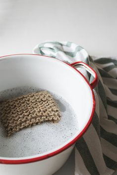 The other day I was scrolling through Pinterest, as you do, and came across  this photo . Of course the link was broken, causing me to become obsessive. I scoured the website trying to find the tutorial on how to make the delightfully rustic looking DIY sponge thing of my dreams but alas, no luck. I
