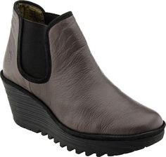 Buy Fly London shoes, boots, and sandals at PlanetShoes.com. Order Fly London shoes online with free shipping & returns! Click or call 1-888-818-7463. (Ground/Black Mousse)