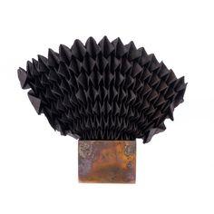 brooch carcoal/metal