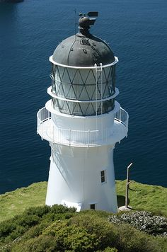 Cape Brett lighthouse, 1910 - Northland, North Island, New Zealand Bay Of Islands, Lighthouse Keeper, Rocky Shore, Beacon Of Light, Light Of The World, Tall Ships, New Zealand, Around The Worlds, Lights